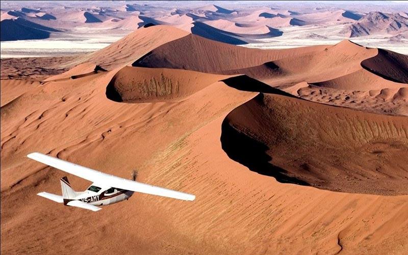 sobrevolar-dunas-namibia-en-avioneta