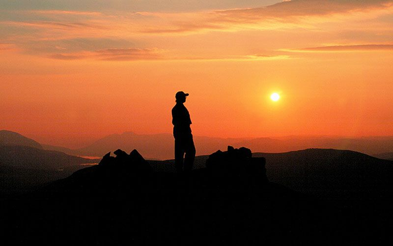 ver-la-sol-de-medianoche-en-laponia