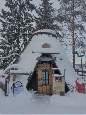 restaurant-santas-salmon-place-santa-claus-village