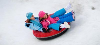 tobogganing-snowman-world-hielo-santa-claus-village