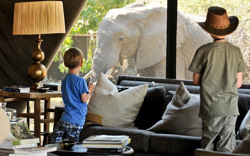 dormir-parques-botswana-ninos