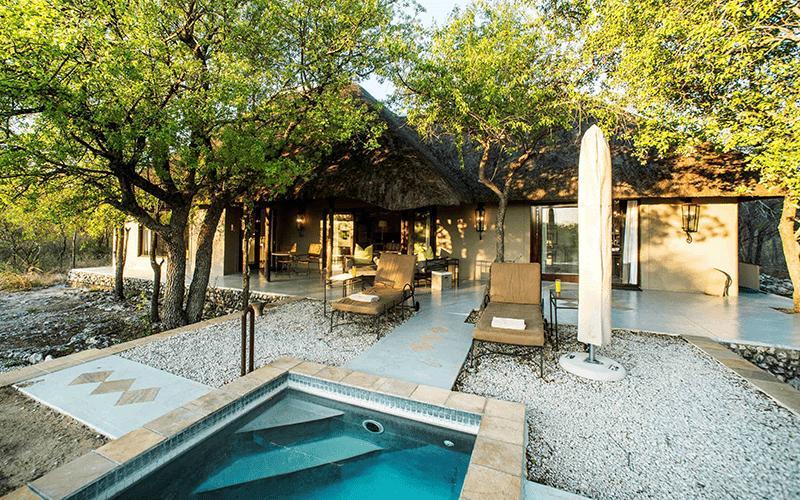 lodges-lujo-villa-etosha-namibia