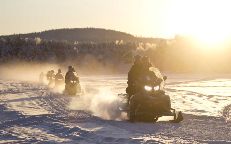 motos-de-nieve-inari-saariselka-laponia