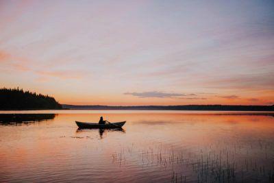 los-lagos-de-finlandia-en-verano