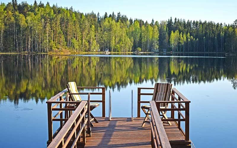cabana-lago-verano-finlandia