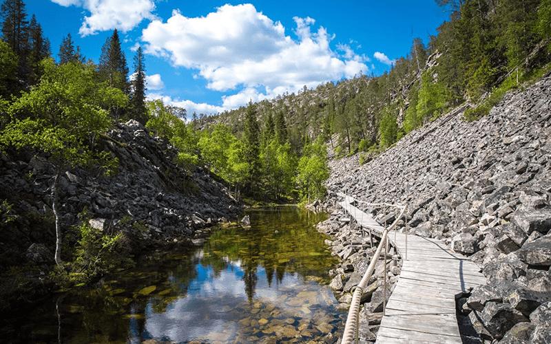 caminar-lagos-y-bosques-finlandia