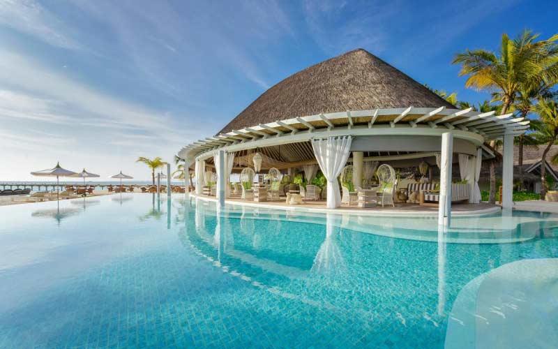 piscina-mejores-resorts-maldivas-luna-de-miel