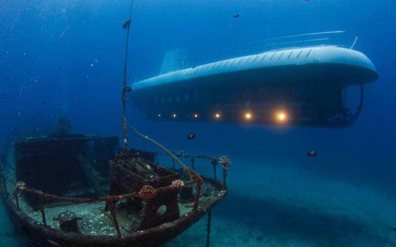 snorkel-submarino-maldivas-actividades-luna-de-miel