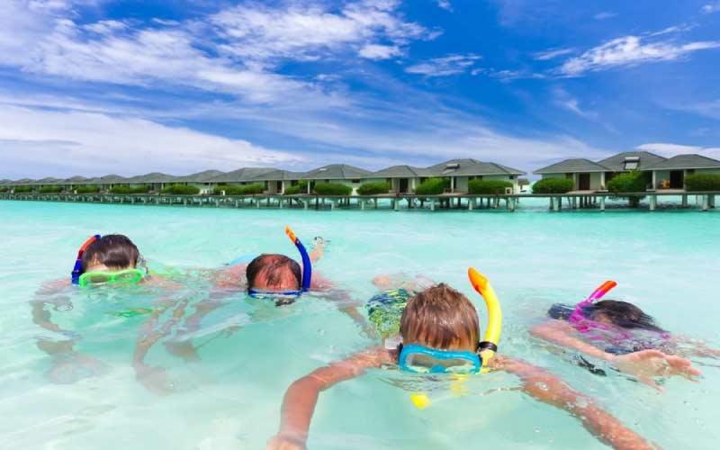 snorkel-islas-maldivas-con-ninos-actividades