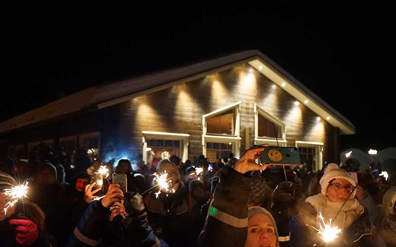 fiesta-fin-de-ano-hotel-de-hielo-arctic-snow-hotel-rovaniemi-viajes-a-laponia
