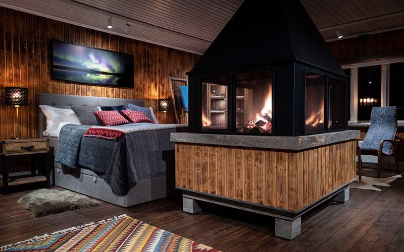 cabana-con-chimenea-laponia-sueca-viajes-exclusivos