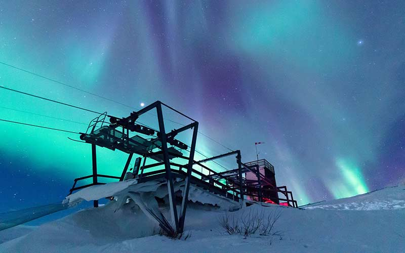 torre-ver-aurora-boreal-laponia-viajes-a-suecia
