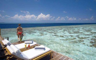 mejores-resorts-maldivas-snorkling-lily-beach-resort